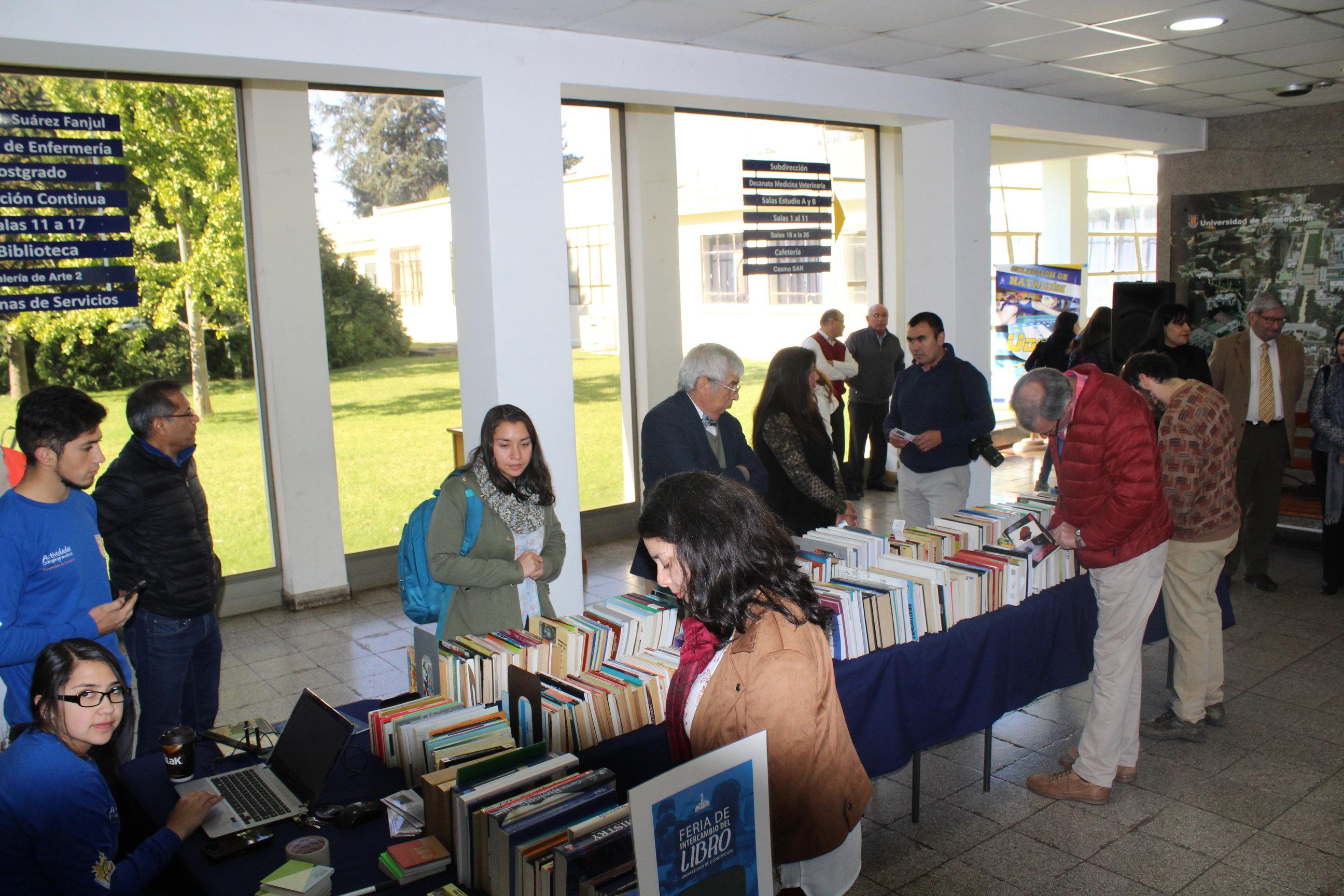 Campus Chillán realizó feria de intercambio del libro y premió a ...
