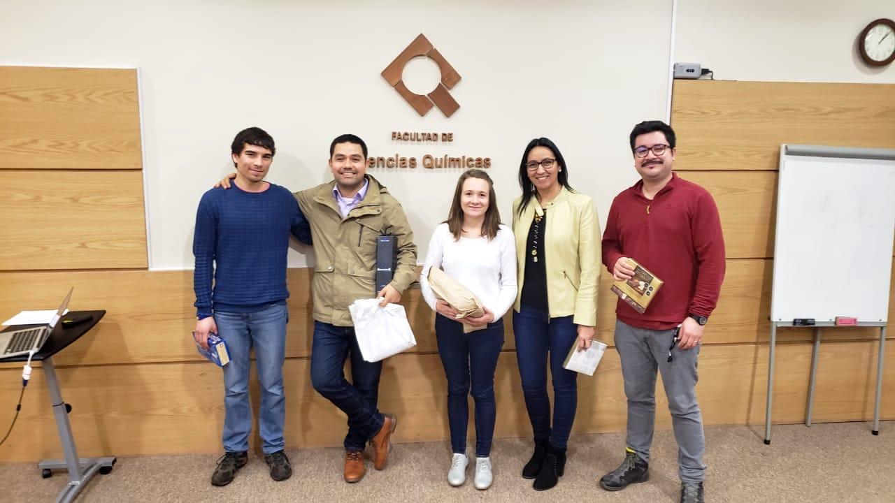 Estudiantes del IUT Lannion exponen investigación realizada durante estadía en Ciencias Químicas UdeC