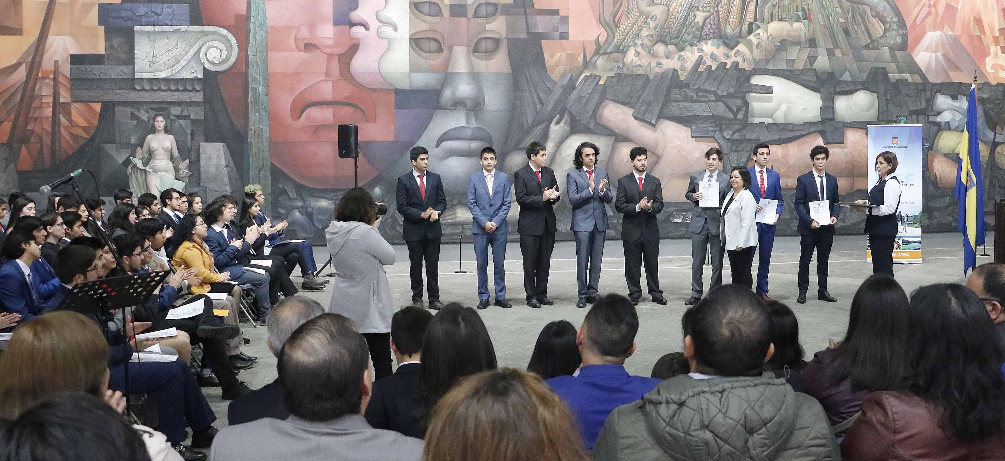Jóvenes escolares de Ñuble desarrollan innovadoras tecnologías bajo el alero del Campus Chillán UdeC
