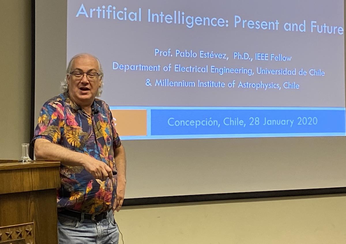 Experto del Instituto MAS ofreció conferencia sobre inteligencia artificial en Ingeniería