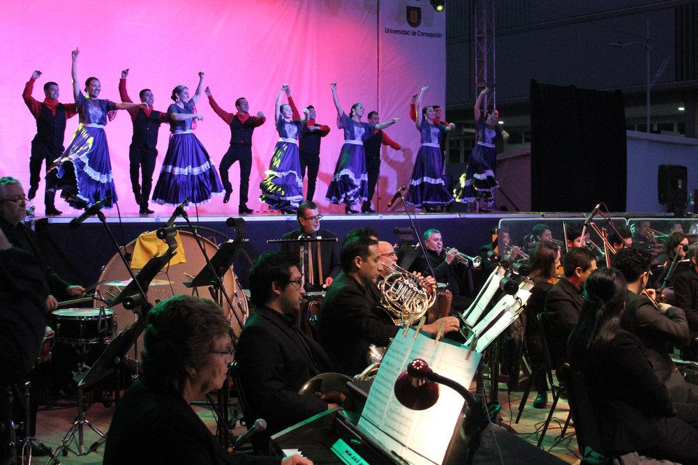 Orquesta Sinfónica UdeC cerró la Escuela de Verano con danzas del continente