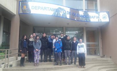 Alumnos del Liceo Pencopolitano visitaron Laboratorio de Piscicultura del Departamento de Oceanografía