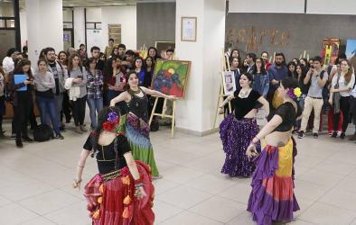 Alumnos, académicos y funcionarios de Medicina muestran talentos artísticos